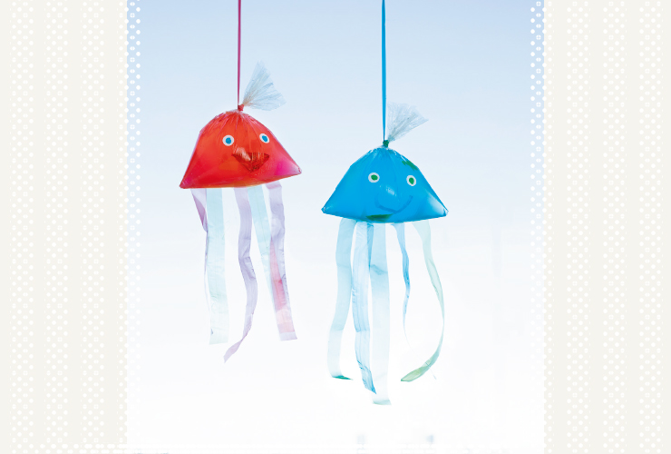 【3・4歳】海へGO!「ビニール袋の色水くらげ」