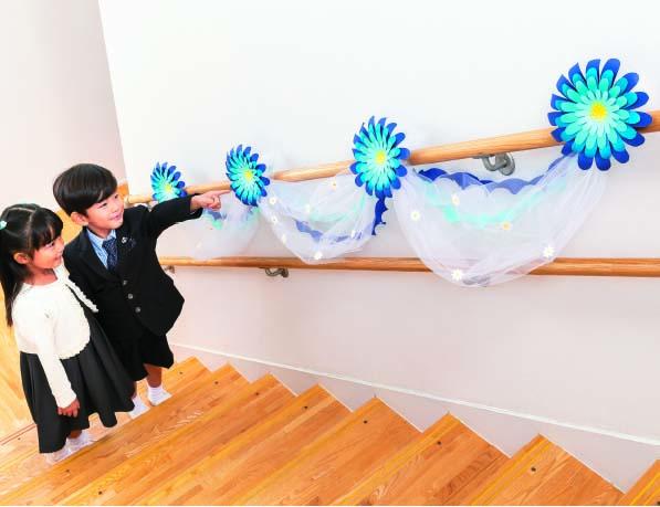 卒園式デコアイデア 階段飾り